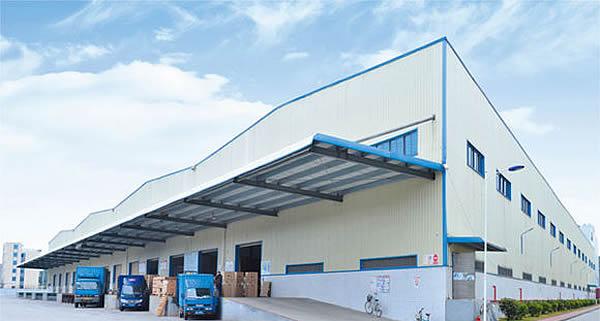钢结构厂房自重轻,钢结构自重仅是砖混结构